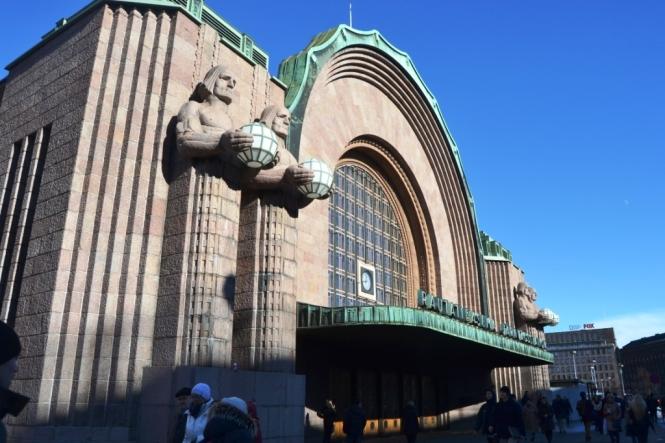 2014-03-Helsinki-Centro-04-Estacion-Tren.JPG