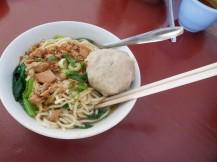 Noodles de polo y bola de ternera