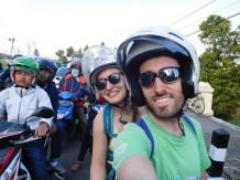 Haciéndonos a la moto indonesia