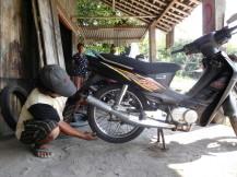 """Taller de motos estilo """"furancho"""""""