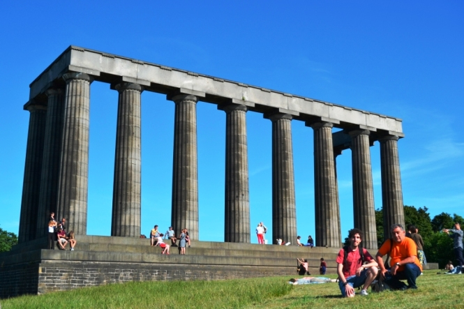 2014-07-Edinburgh-Calton-Hill-National-Monument.JPG