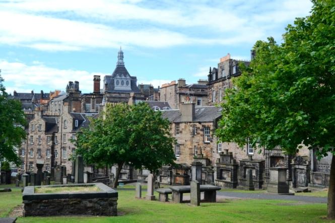 2014-07-Edinburgh-Greyfriars-Kirkyard-02.JPG