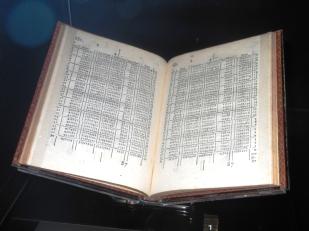 Edimburgo - Museo Nacional - Tablas de John Napier