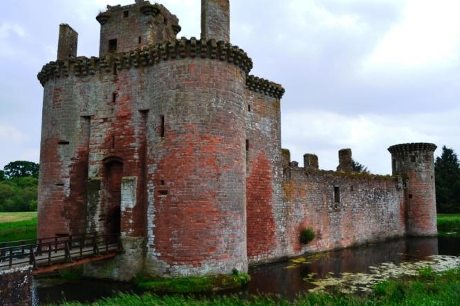 2014-07-Sur-Escocia-Caerlaverock-Castle-01.JPG