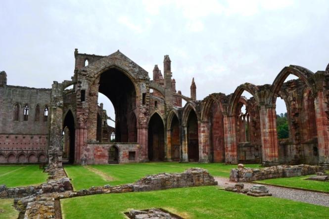 2014-07-Sur-Escocia-Melrose-Abbey-01.JPG