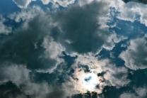 Reflejo de nubes en el Ibón de Estanés