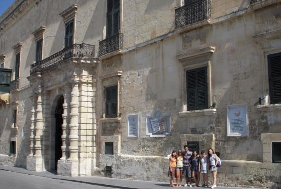 2008-08-Malta-Valletta-Palacio-Gran-Maestre.JPG