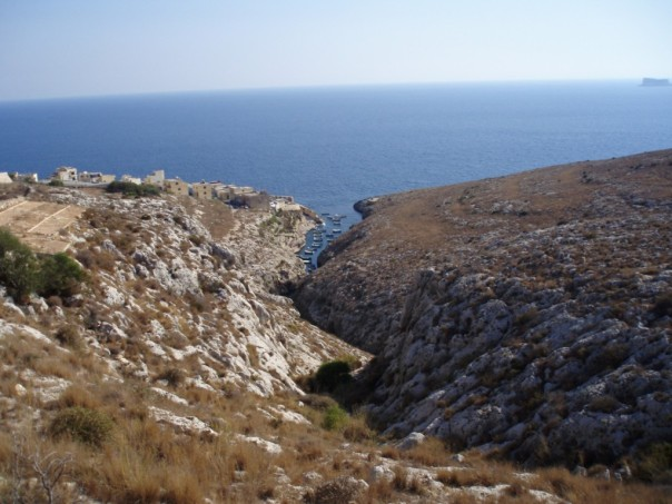 2008-08-Malta-blue-grotto-2.JPG
