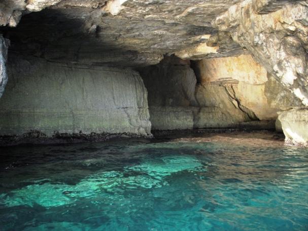 2008-08-Malta-blue-grotto-5.JPG