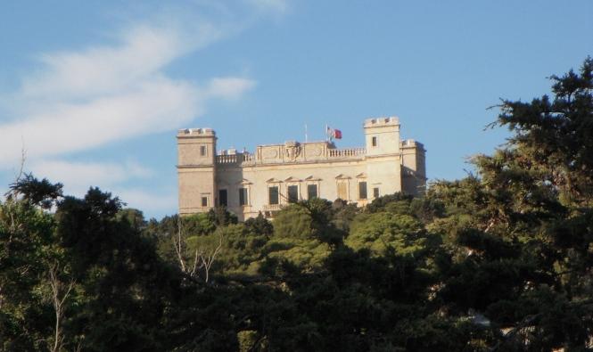 2008-08-Malta-Buskett-Forest-Verdala-Castle.JPG