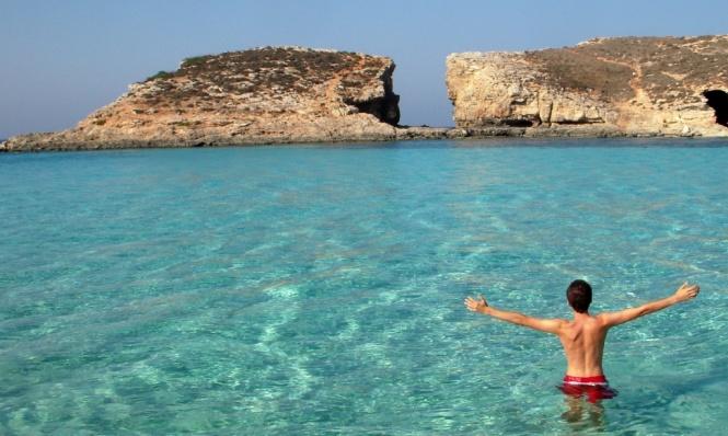 2008-08-malta-comino-blue-lagoon-mario.JPG