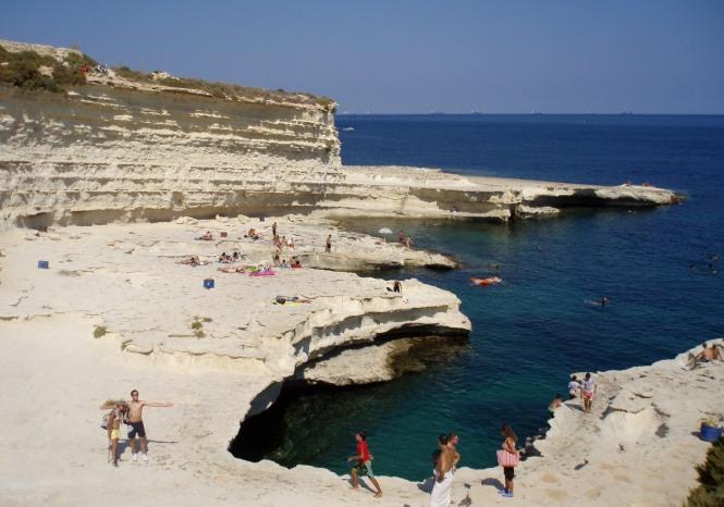 2008-08-Malta-Marsaxlokk-Saint-Peter-Pool-2.JPG