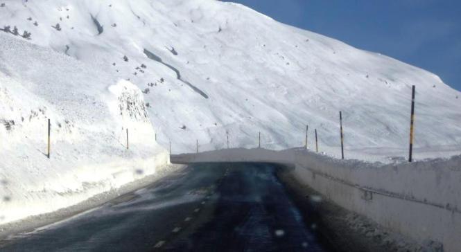 2012-12-el-ferial-belagua-carretera.JPG