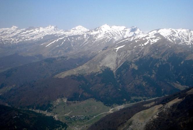 2011-04-ezkaurre-cima-6.JPG