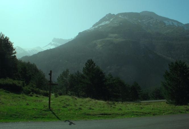 2011-04-ezkaurre-inicio-ruta.JPG