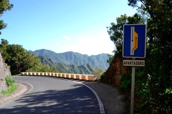 2016-12-tenerife-anaga-carretera-a-taganana-apartadero.JPG
