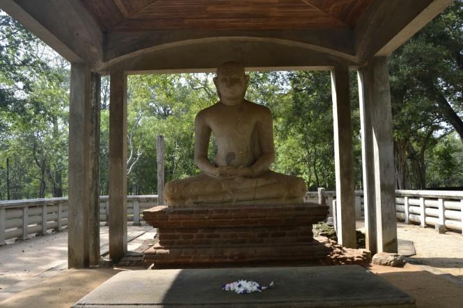 2017-02-anuradhapura-samadhi-buda