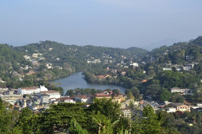 2017-02-Sri-Lanka-Kandy-Buda-bahiravokanda-02.JPG