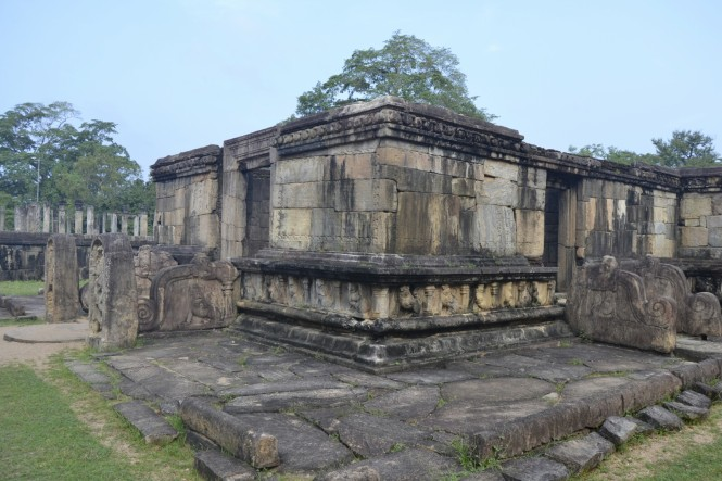 2017-02-sri-lanka-polonnaruwa-hatadage2