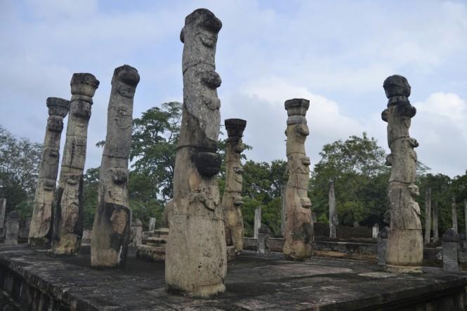 2017-02-sri-lanka-polonnaruwa-latha-mandapaya.JPG