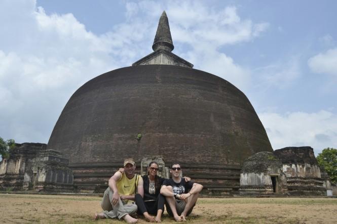2017-02-sri-lanka-polonnaruwa-rankot-vihara.JPG