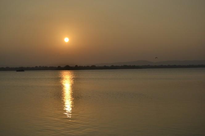2017-02-sri-lanka-polonnaruwa-topa-wewa-1-puesta-sol.JPG