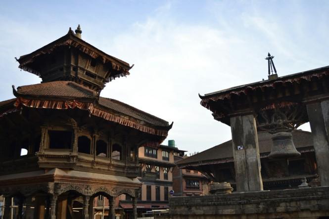 2017-03-nepal-Bhaktapur-Plaza-Durbar-campana-taleju
