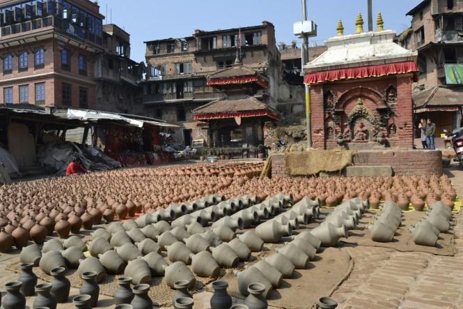 2017-03-nepal-Bhaktapur-pottery-square-1