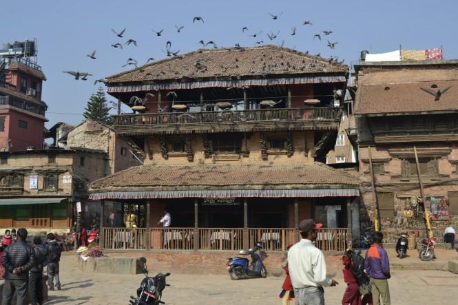 2017-03-nepal-Bhaktapur-Taumadhi-Tole-Templo-bar