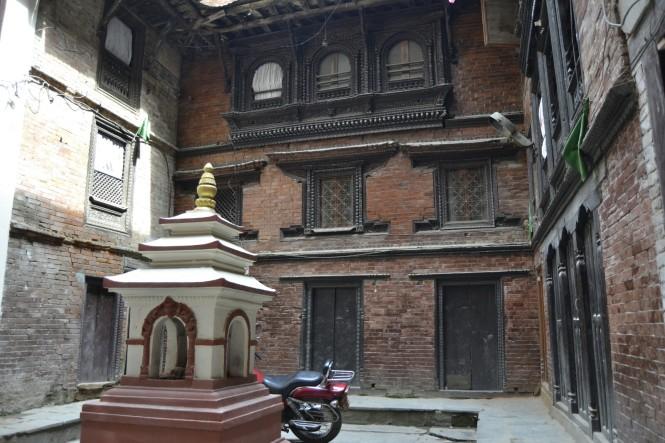 2017-03-nepal-patan-bubahal