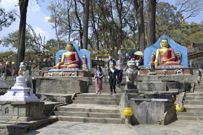 2017-03-nepal-Swayambhunath-1-escaleras