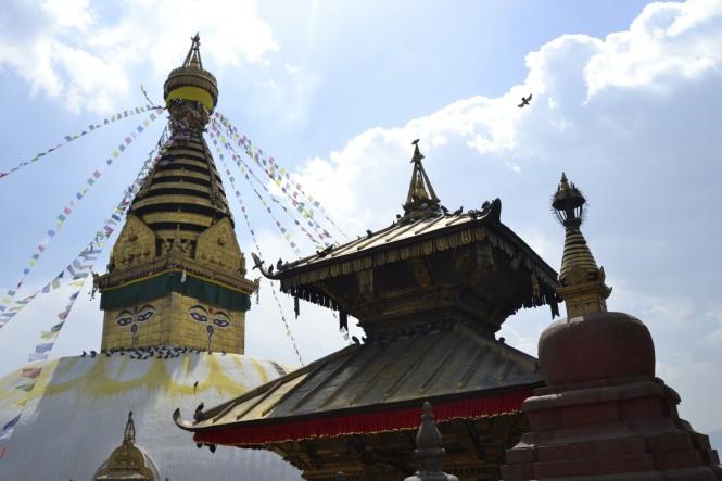 2017-03-nepal-Swayambhunath-6-estupa-y-templo