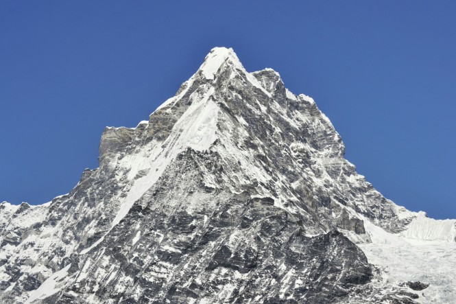 2017-03-nepal-Trekking-LGH-Dia-4-Tsergo-Ri-Cima-1-changbu