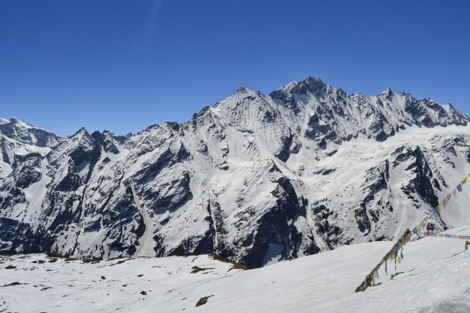 2017-03-nepal-Trekking-LGH-Dia-4-Tsergo-Ri-Cima-5-pangen-dopku