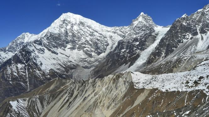2017-03-nepal-Trekking-LGH-Dia-4-Tsergo-Ri-cima-langtangs-changbu