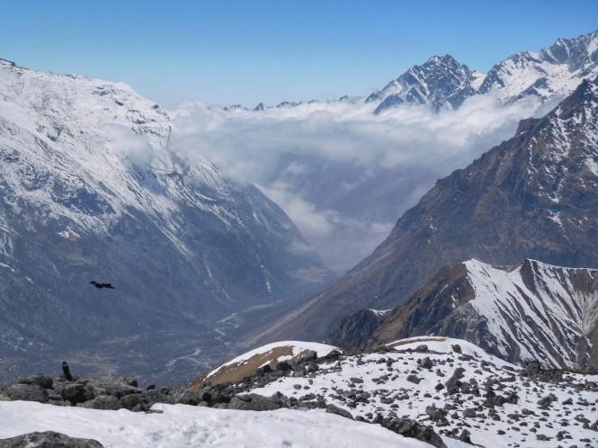 2017-03-nepal-Trekking-LGH-Dia-4-Tsergo-Ri-descenso-nube-1