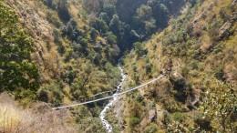 Trekking Langtang-Gosaikunda-Helambu - Puente Colgante cerca de Thulo Syaphru