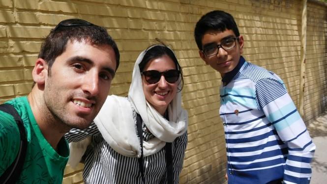 2017-04-iran-isfahan-jolfa-nino-random