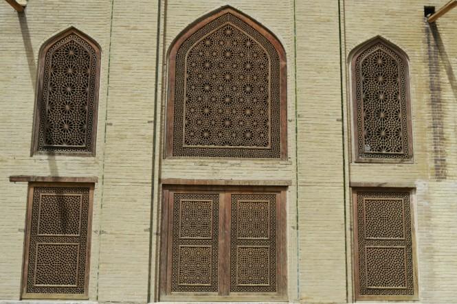 2017-04-iran-Isfahan-Kakh-e-Chehel-Sotun-3