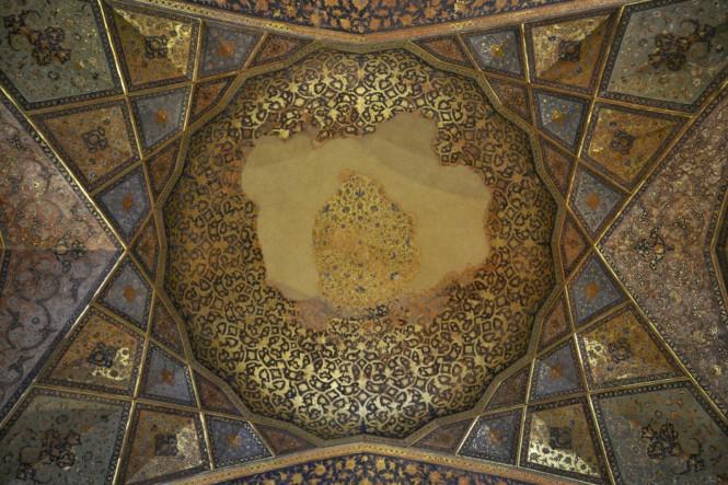 2017-04-iran-Isfahan-Kakh-e-Chehel-Sotun-5