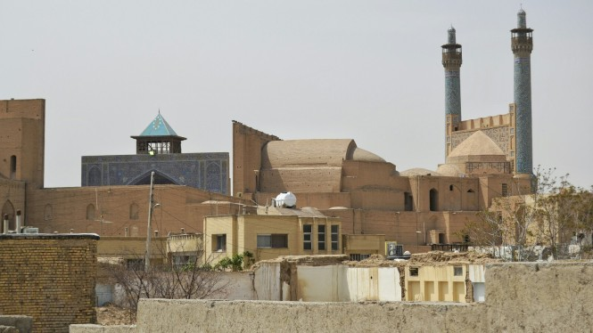 2017-04-iran-Isfahan-masjed-e-imam-trasera.jpeg
