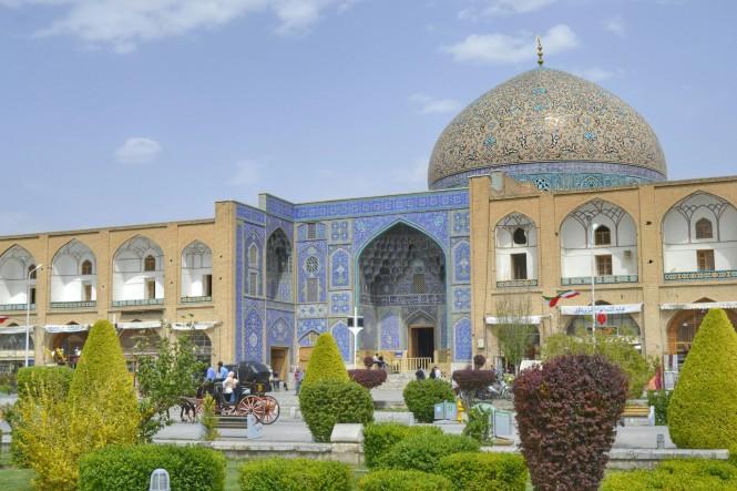 2017-04-iran-Isfahan-Masjed-e-Sheikh-Loftollah-5.jpeg