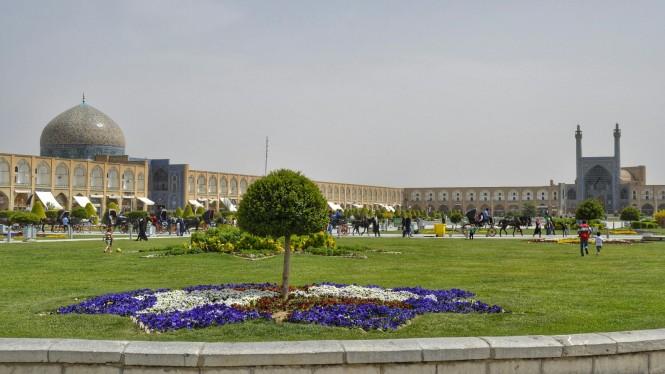 2017-04-iran-Isfahan-Naqsh-e-Jahan-1.jpeg