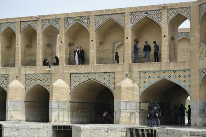 2017-04-iran-isfahan-pol-e-khaju-2