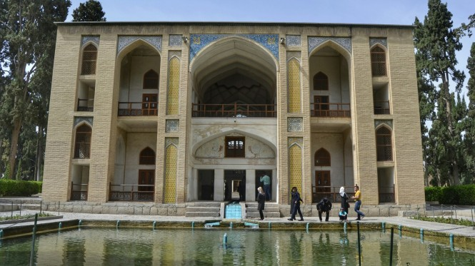 2017-04-iran-Kashan--bagh-e-fin-1