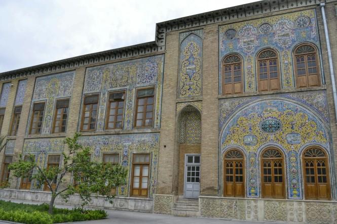 2017-04-iran-tehran-Palacio-Golestan-Iwan-e-Takht-e-Marmar-1.jpeg