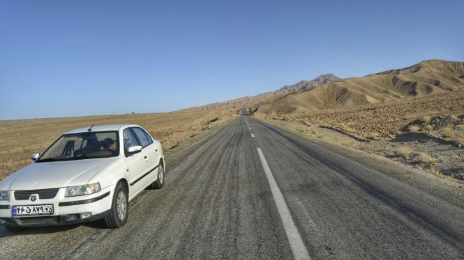2017-04-iran-kaluts-carretera-4.jpeg