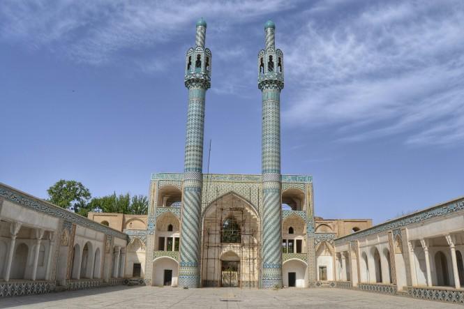 2017-04-iran-mahan-mausoleo-1.jpeg