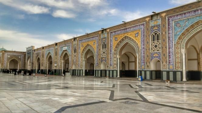 2017-04-iran-mashhad-mausoleo-03