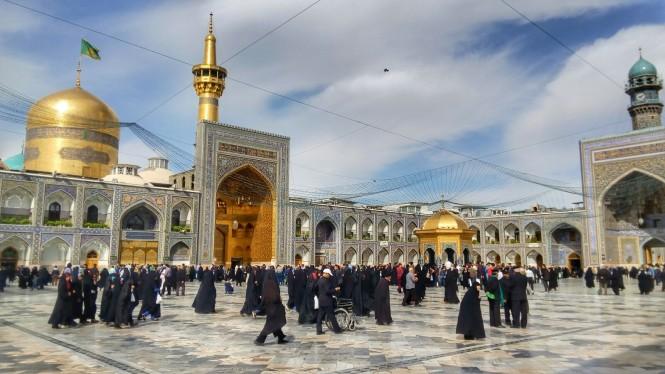 2017-04-iran-mashhad-mausoleo-04